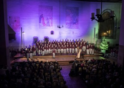 Adventní koncert Pueri gaudentes 9.12.2019 - Betlémská kaple. Pohled na zpívající koncertný sbor.