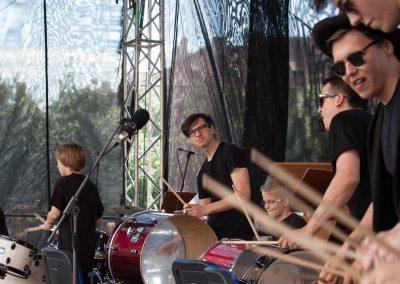 Maraton ZUŠ staroměstské náměstí soubor bicích nástrojů Drum line (5)